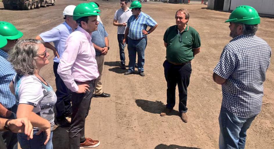 Autoridades de Ambiente visitaron la planta modelo de biomasa en Ticino