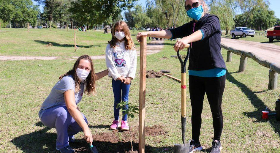 Forestando Córdoba: 1.000 nuevos árboles en la Costanera sur de Río Cuarto
